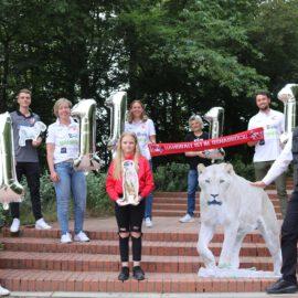 Handballer erlaufen 11.111 Euro für Osnabrücker Zootiere