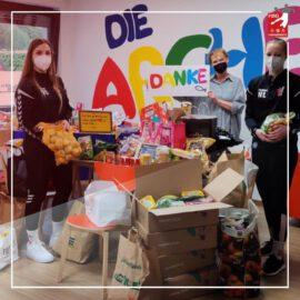 HSG-Teams spenden Lebensmittel für die Arche